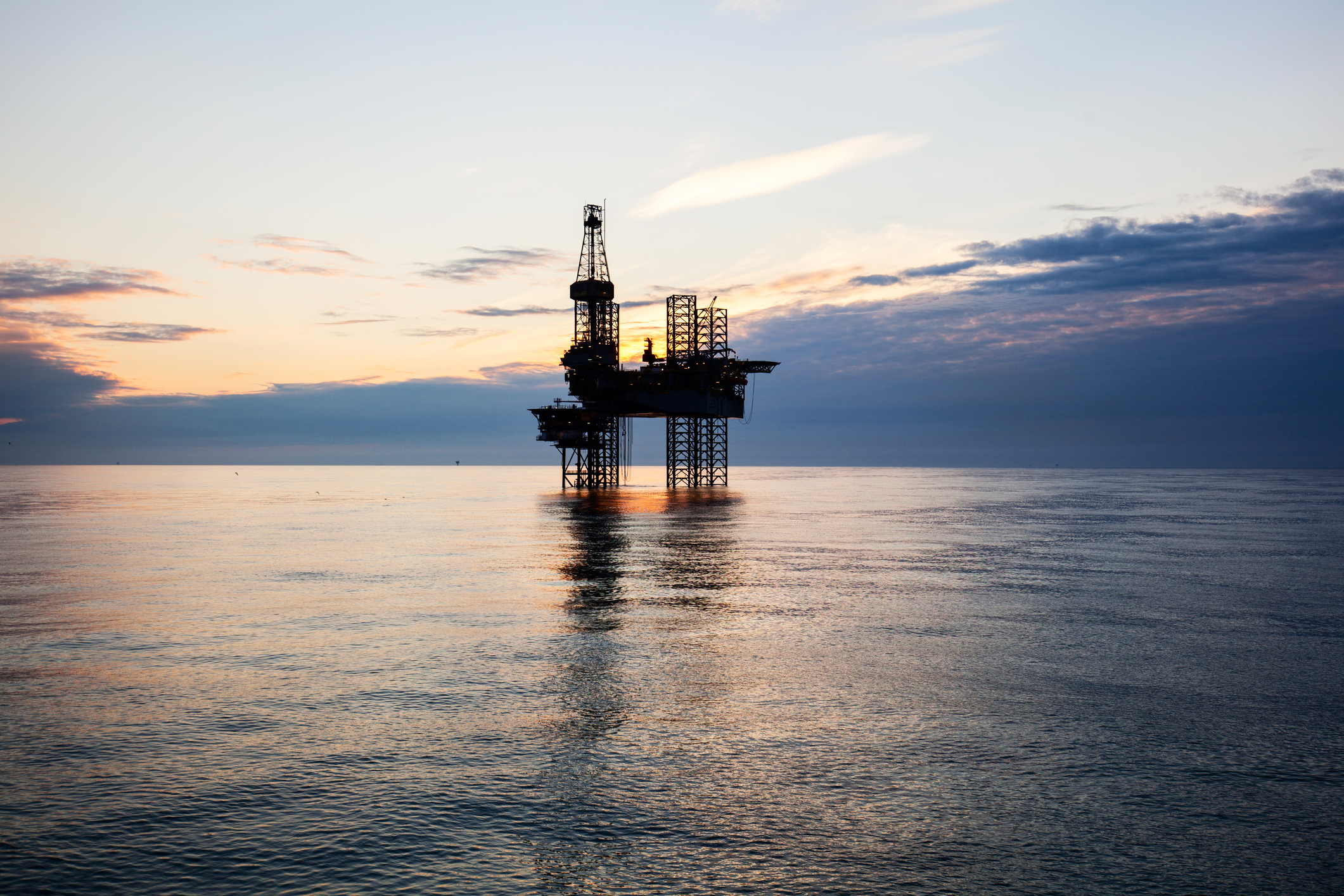 Experts say CO2 could breathe new life into redundant oil rigs