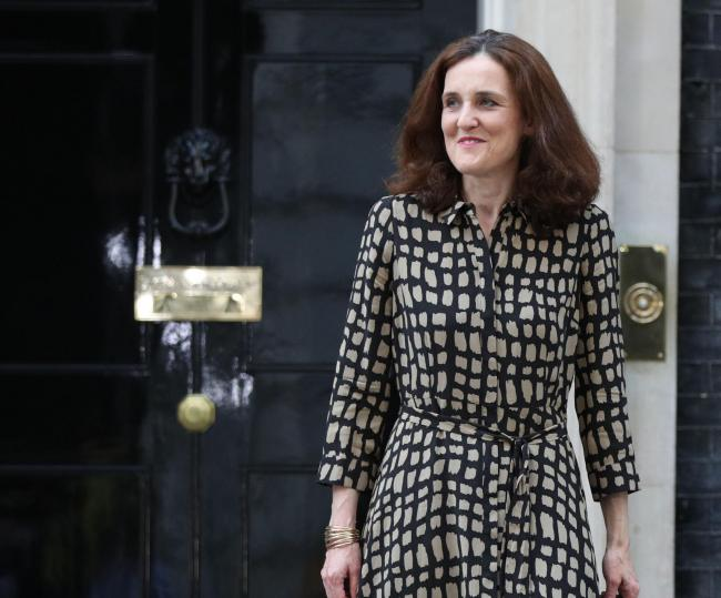 Environment Secretary Theresa Villiers has said she cannot back a ban on fracking