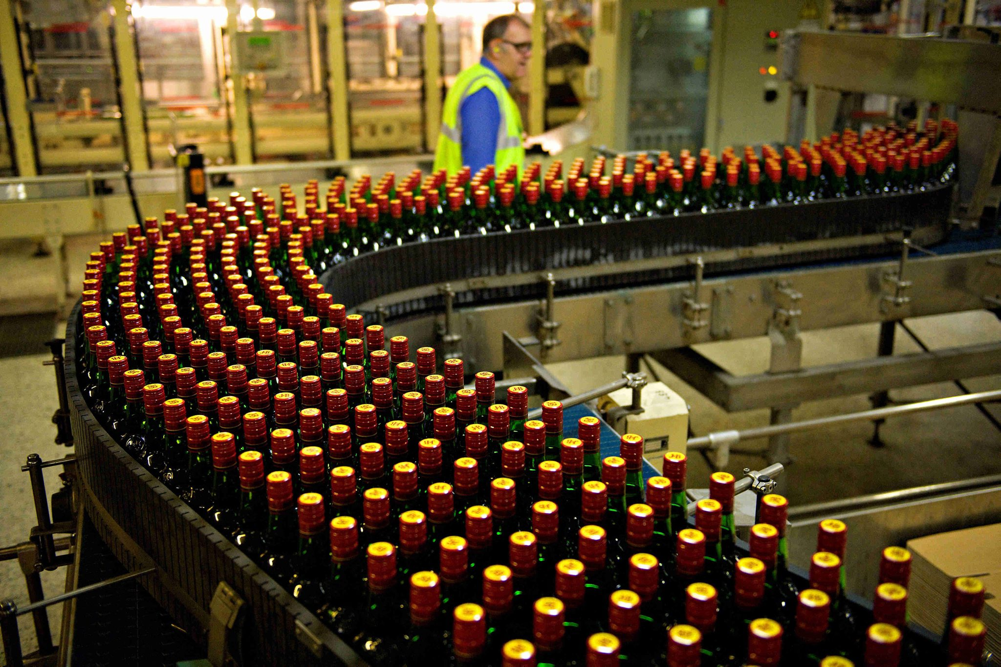 Scots Diageo workers call off strike action and agree pay deal