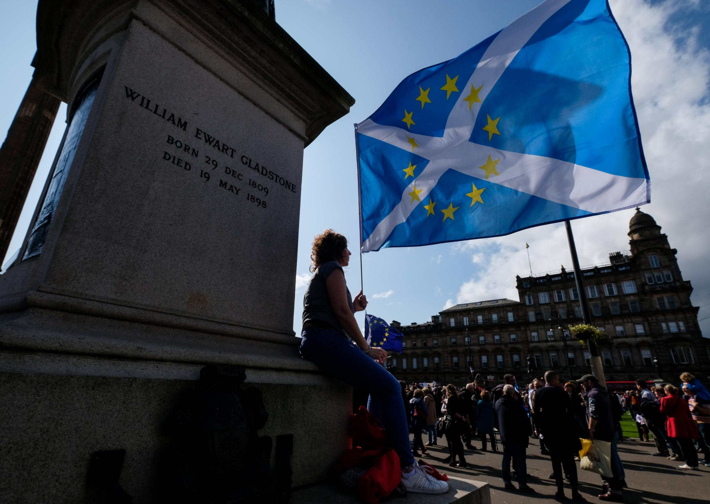 Brexit: EU citizens feel safer in Scotland than England, study finds