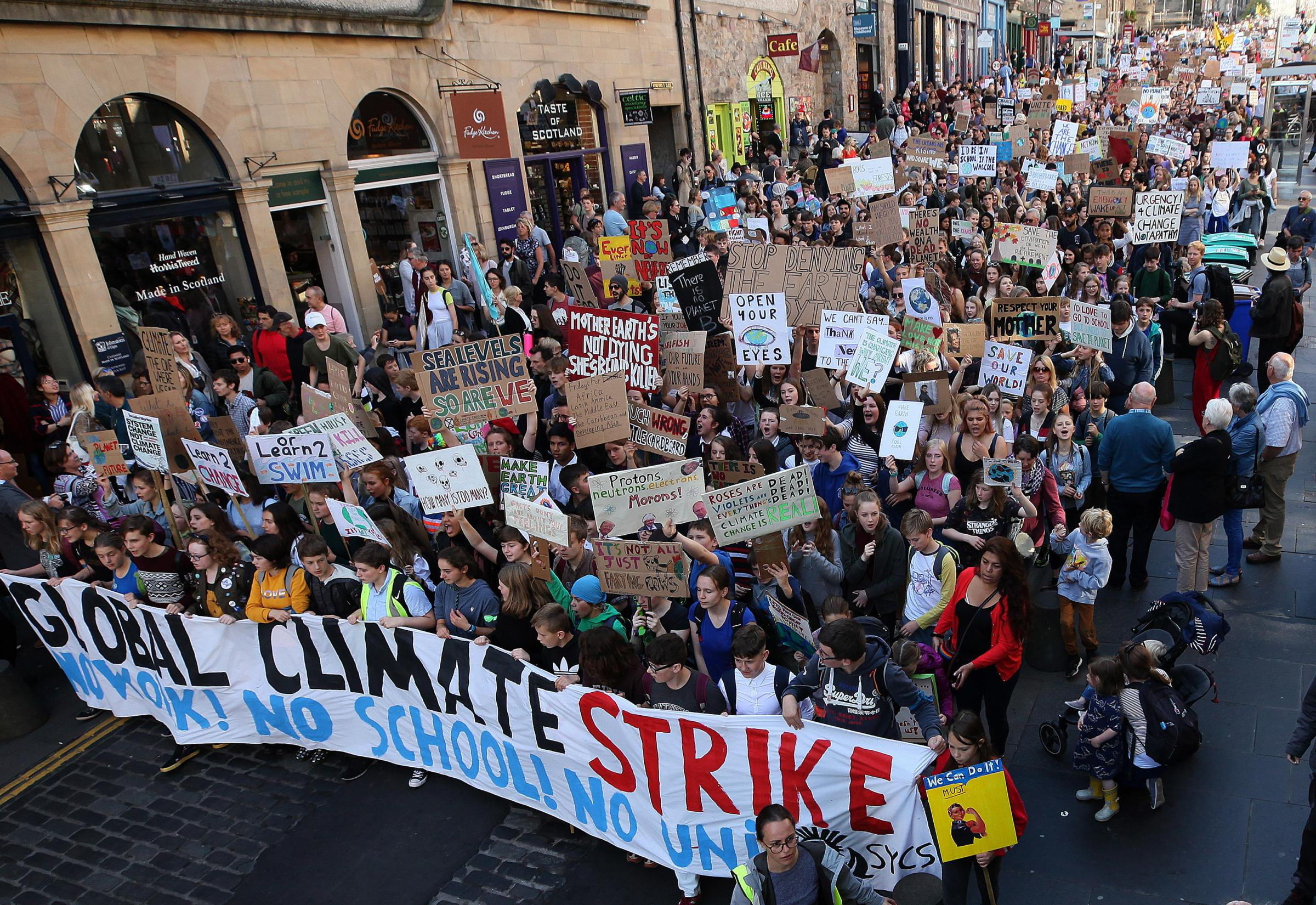 Scottish cities join worldwide climate change strike revolution