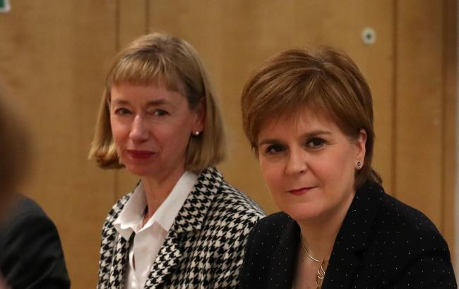 The memo was written by civil service chief Leslie Evans (left) to Nicola Sturgeon
