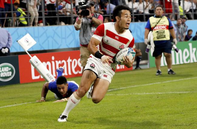 Kenki Fukuoka scores a try in their win against Samoa yesterday