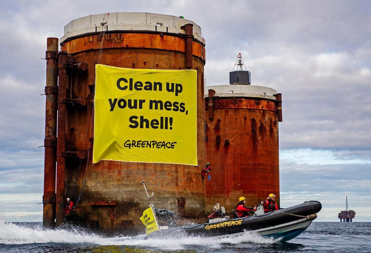 Greenpeace activists board North Sea oil platform in Shell protest