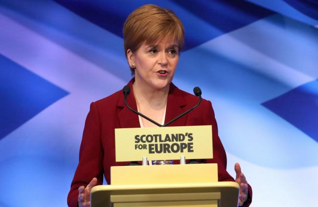 Does Nicola Sturgeon need to be better supported by her advisers?