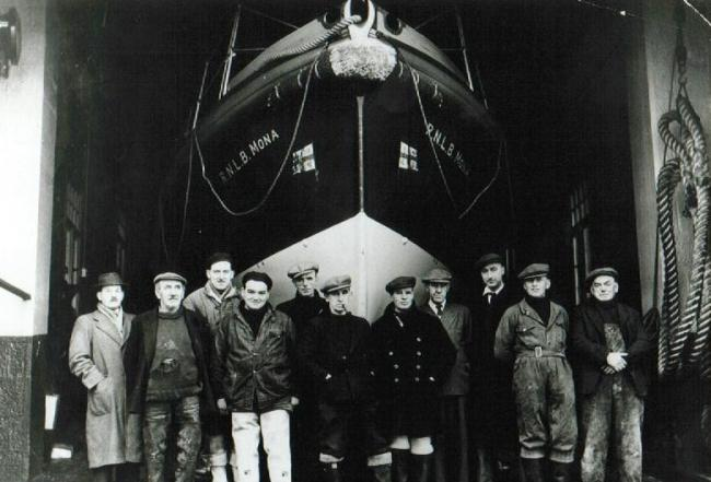 The crew of the RNLB Mona