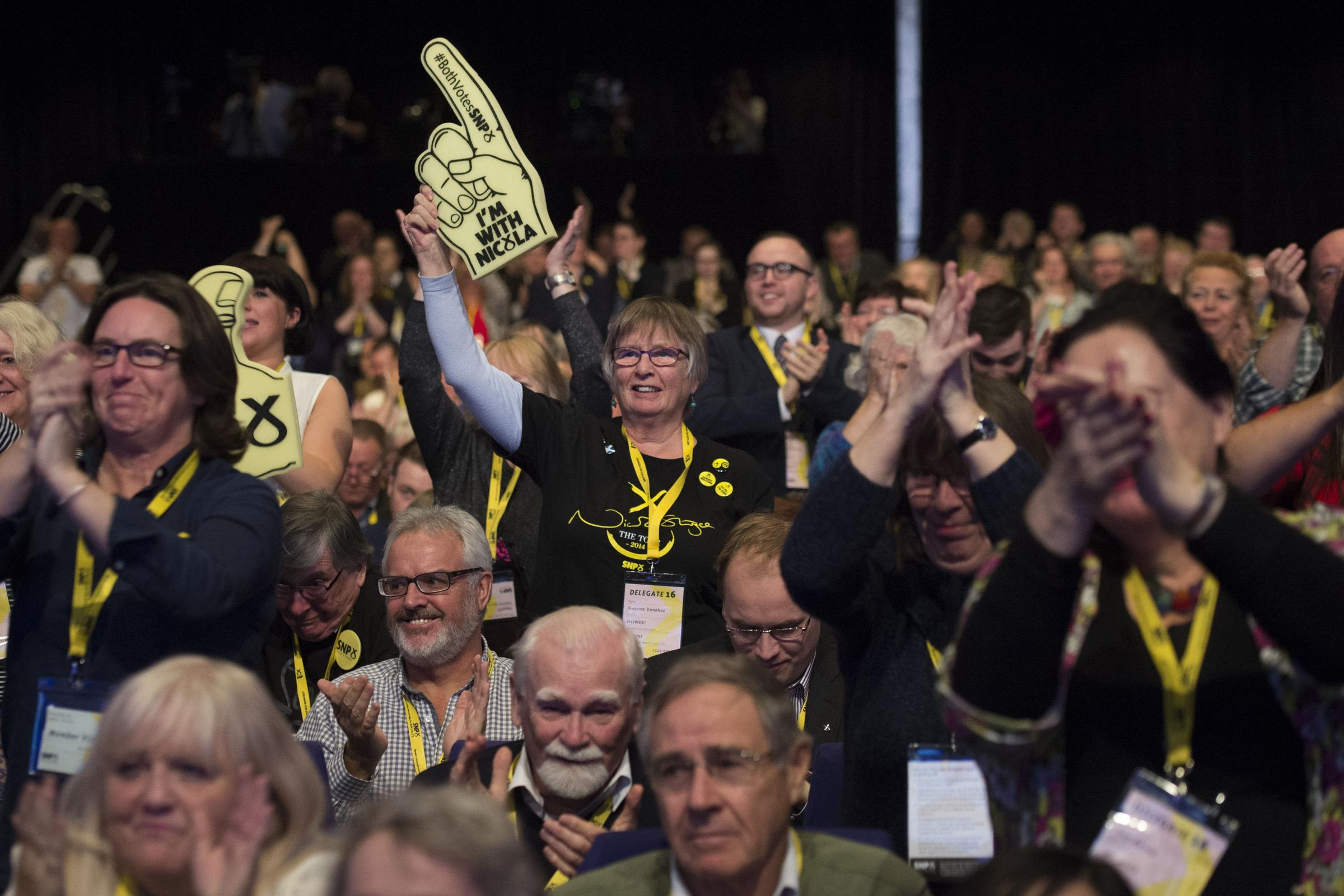 Former rival pledges cash to SNP candidate after he was forced to pull out