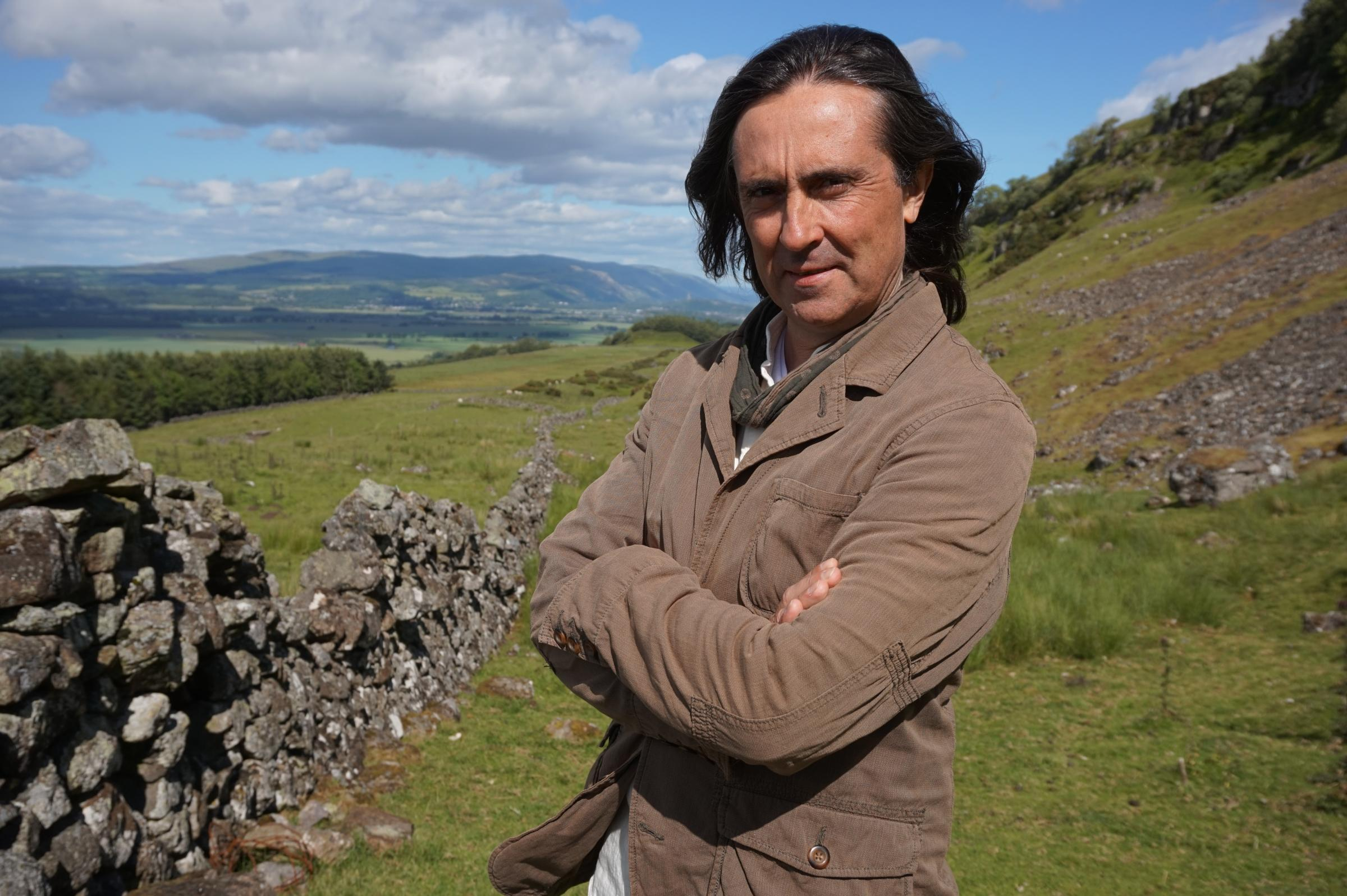Neil Oliver to step down as NTS president after David Starkey row