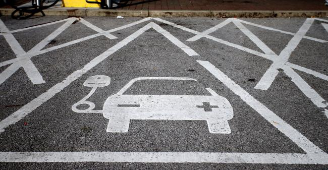 The Electric Vehicle Association Scotland is calling for an acceleration of Scotland's e-mobility targets