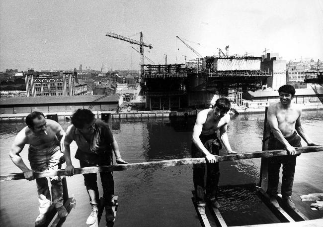 Construction of the Kingston Bridge in Glasgow, 1969-70