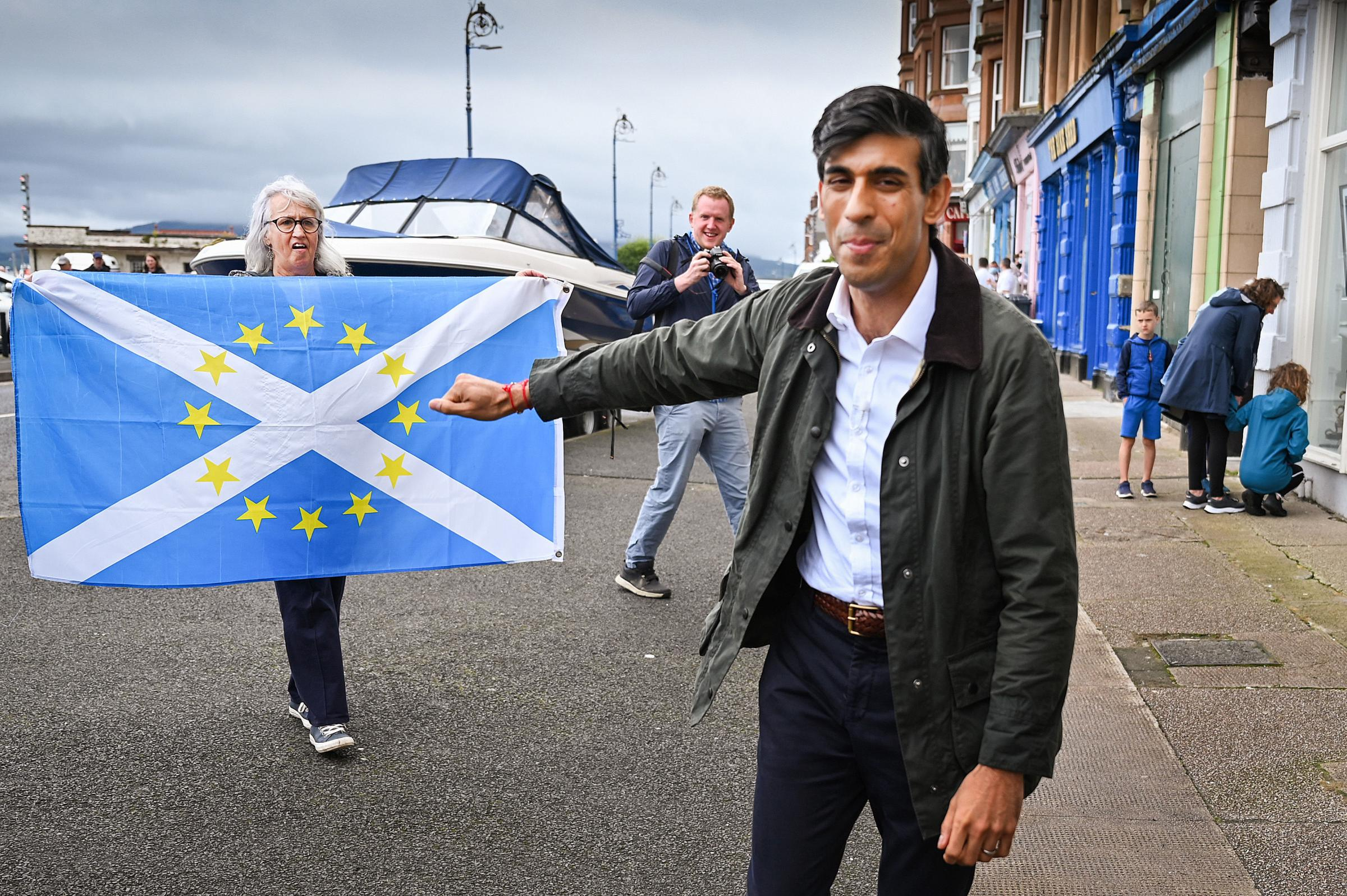 Ferry row as Chancellor Rishi Sunak makes trip to Isle of Bute