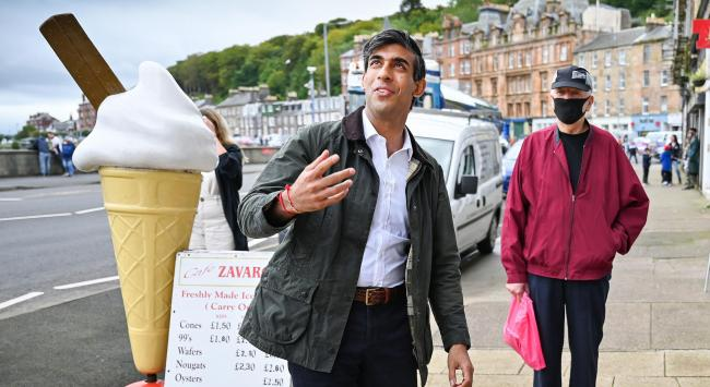 Despite travelling across as a foot passenger, Rishi Sunak used a car on his way back from his visit to Rothesay to avoid Yes protesters