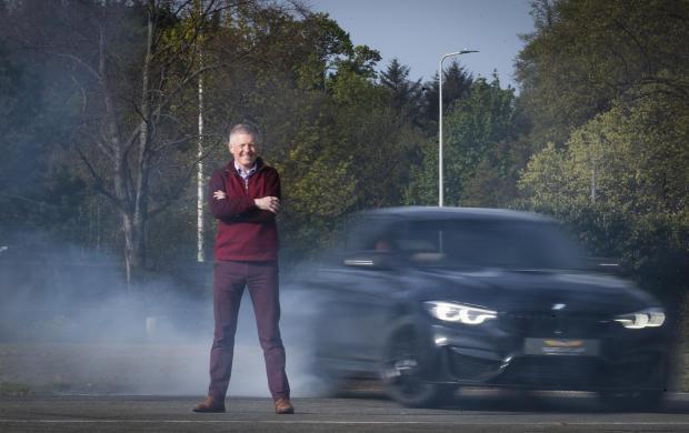 The National: Willie Rainey fa del suo meglio per imitare il test Top Gear