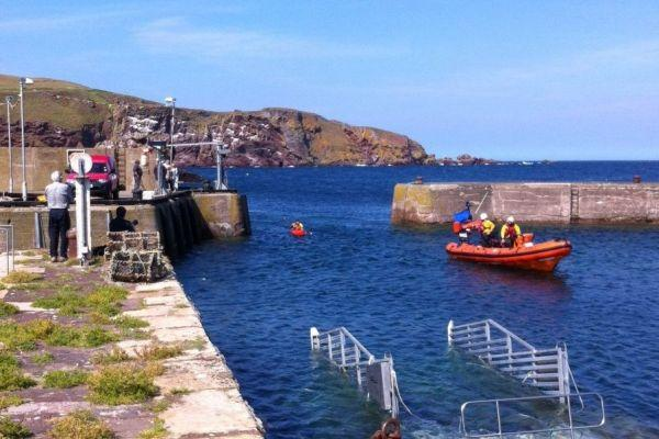 The RNLI says the station at St Abbs in the Borders is to close for 'operational reasons'