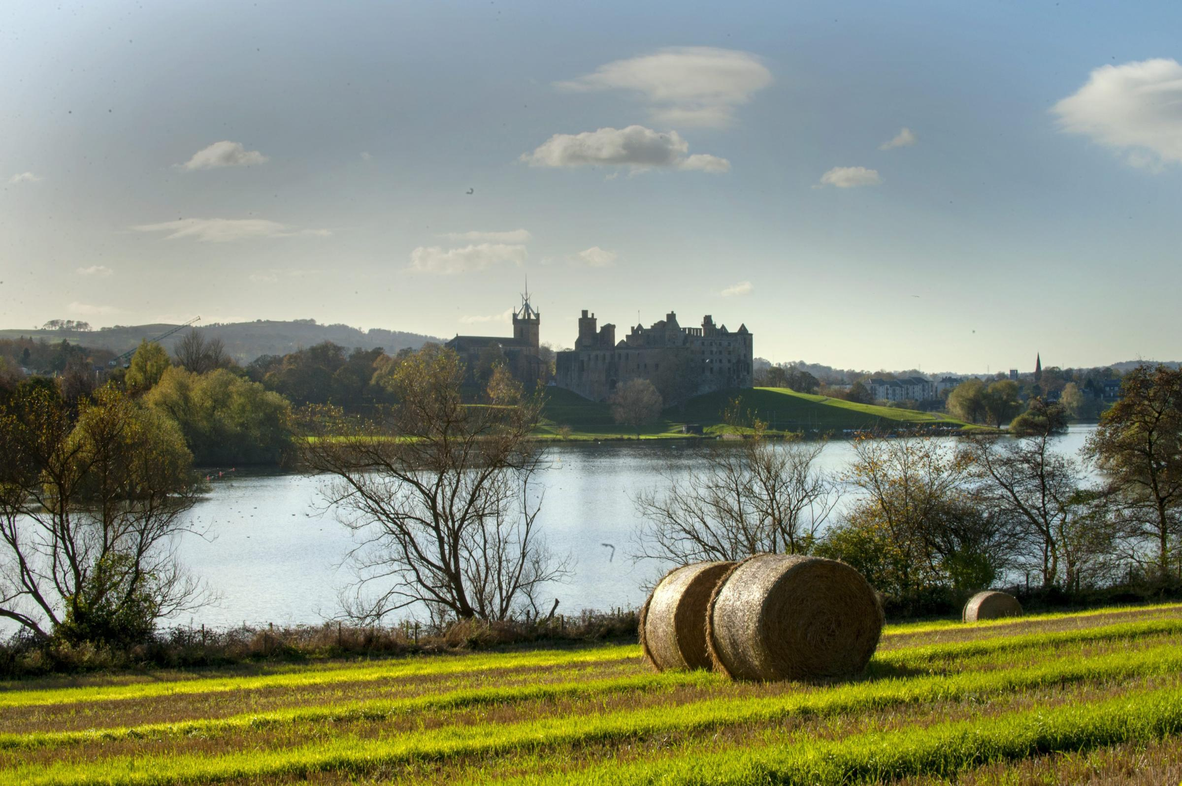 Linlithgow Palace was once a principal residence of Scotland's monarchs