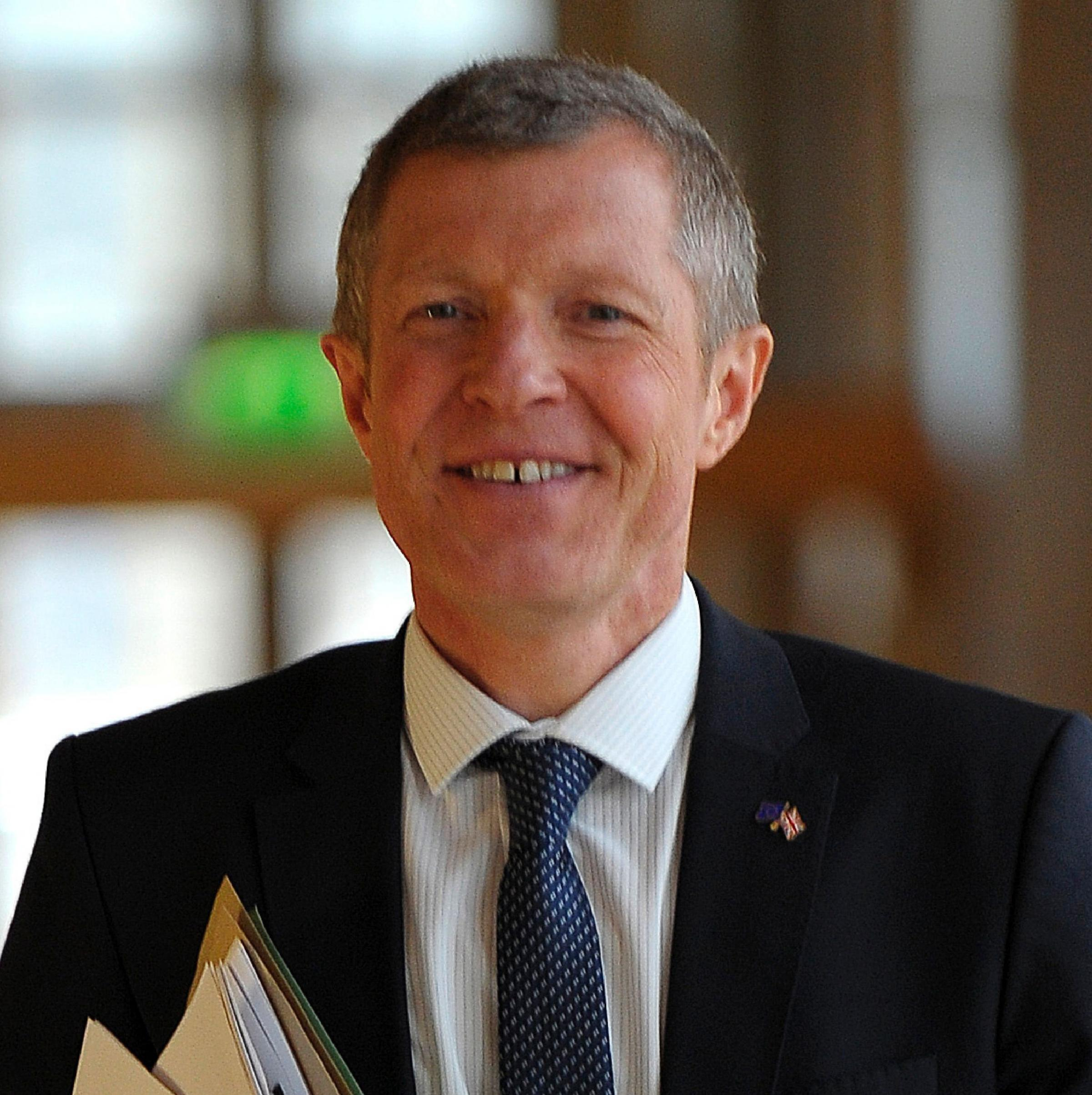 Willie Rennie suggests senior officers from England should be drafted in to assist Police Scotland