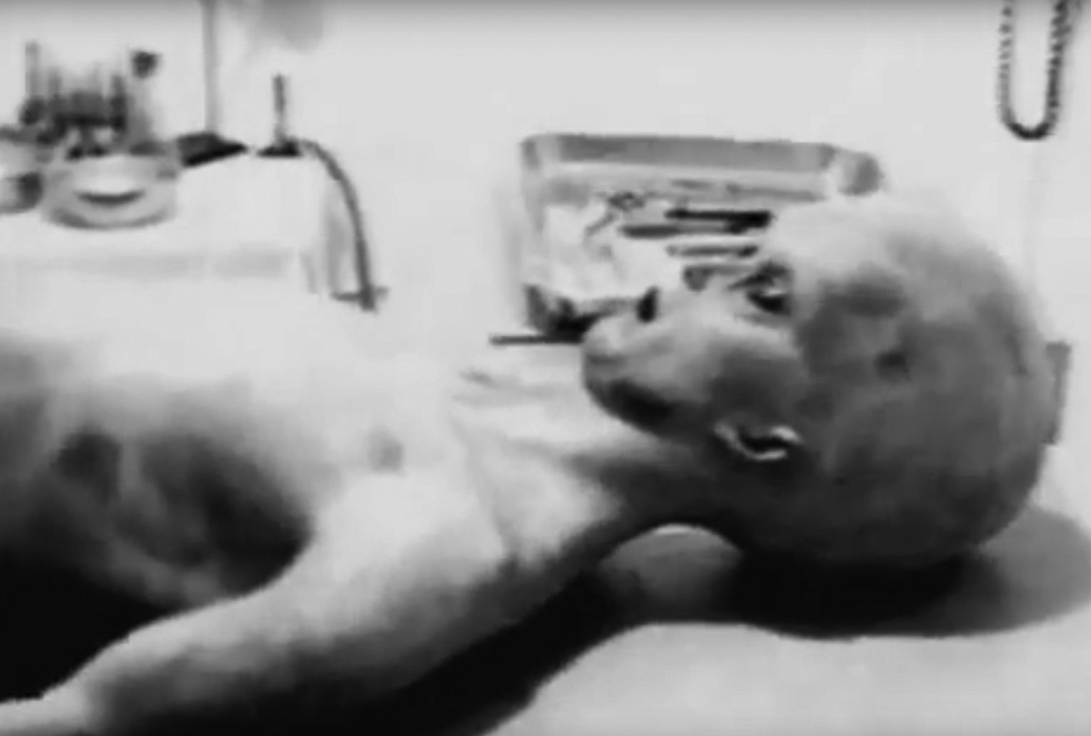 A black and white film said to show an autopsy on a Roswell alien was released in 1995. It was later said to be a reconstruction of actual footage
