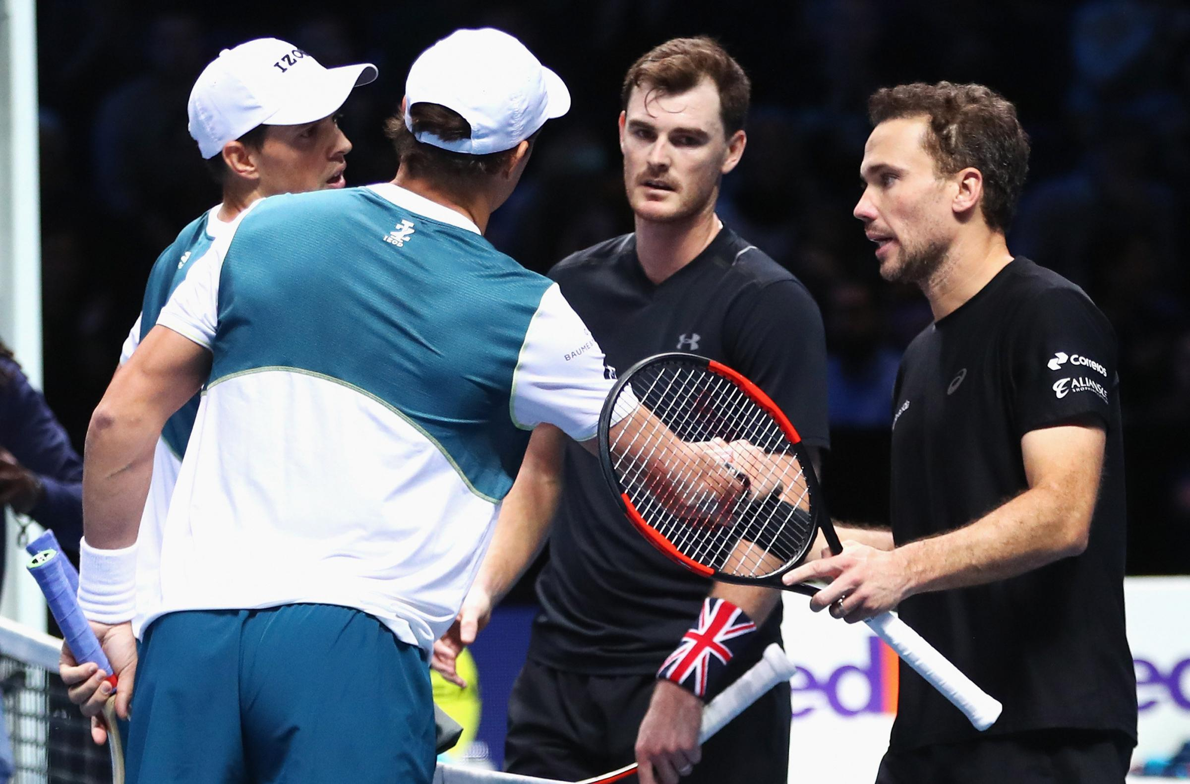 Bob and Mike Bryan of the United States defeated Jamie Murray and Bruno Soares