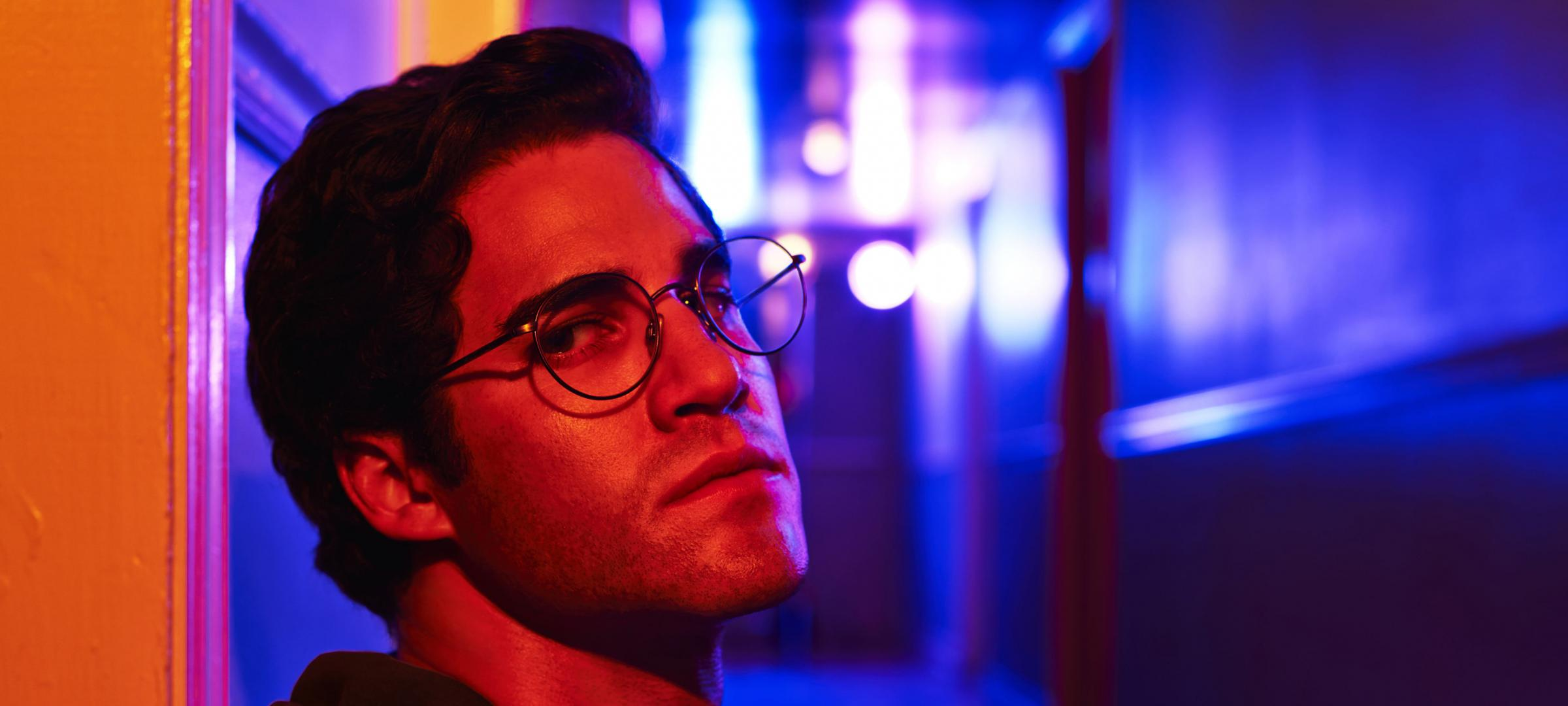 Andrew Cunanan arrives in Miami in The Assassination of Gianni Versace: American Crime Story