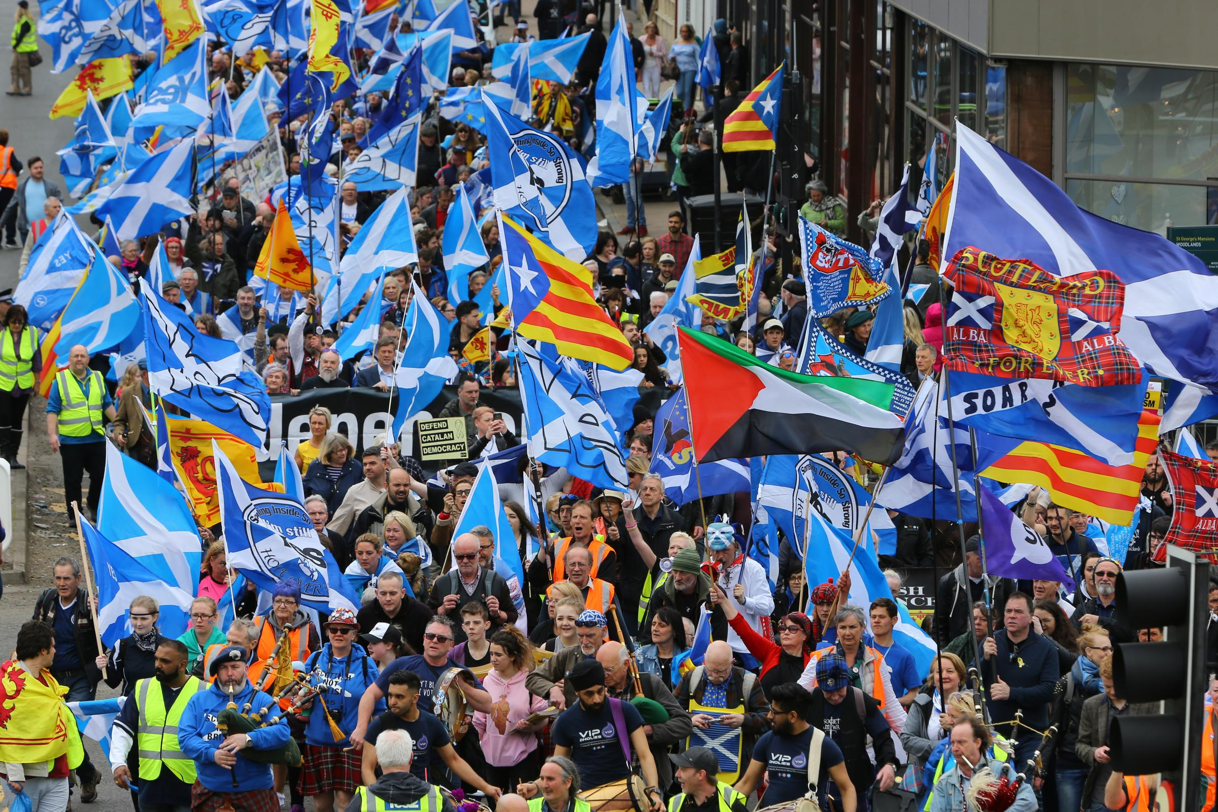 Pro-indy supporters marched from Kelvingrove to Glasgow Green
