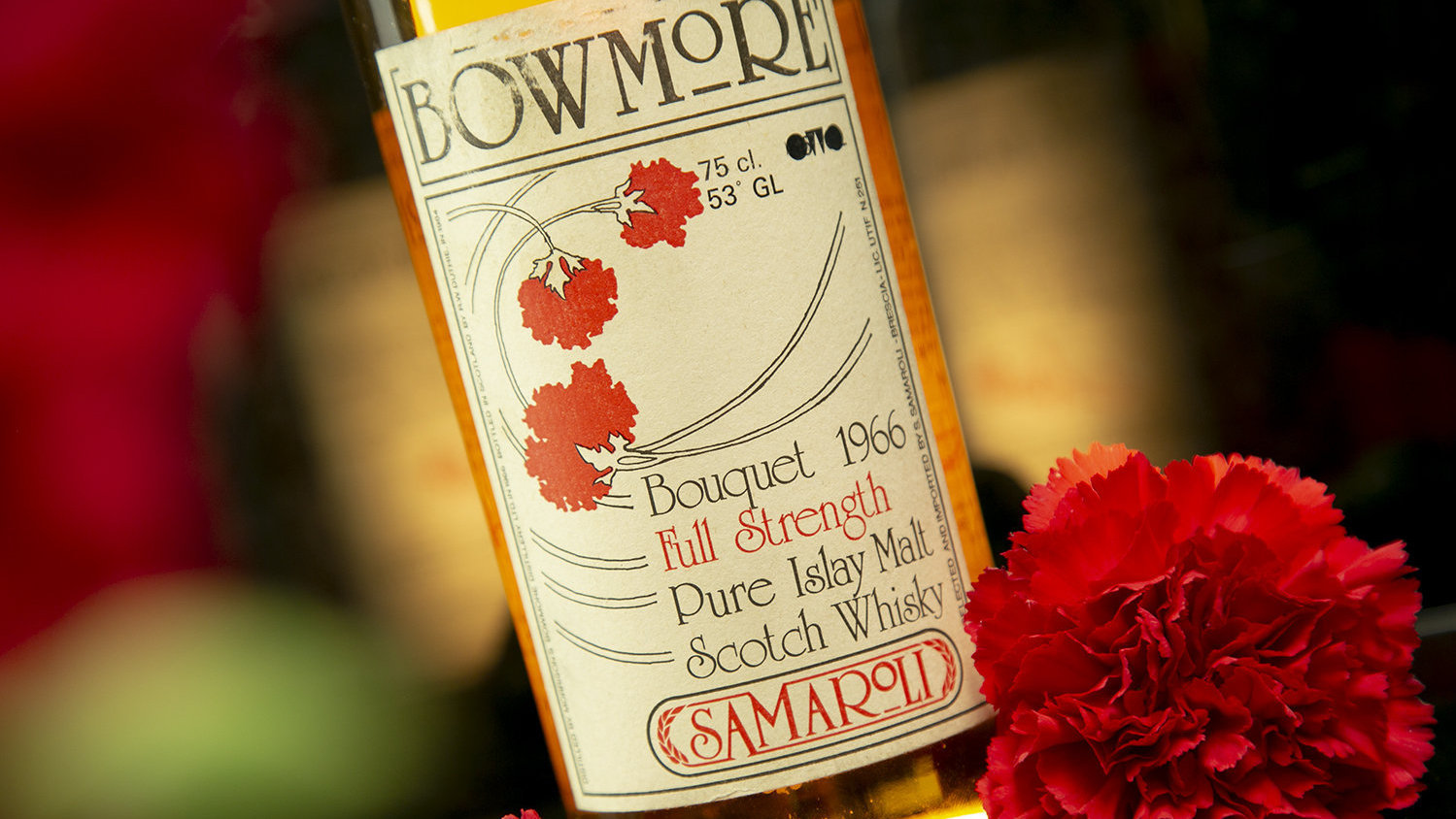 The Bowmore 1966 Samaroli Bouquet attracted more than 50 bid from around the world and smashed the previous record