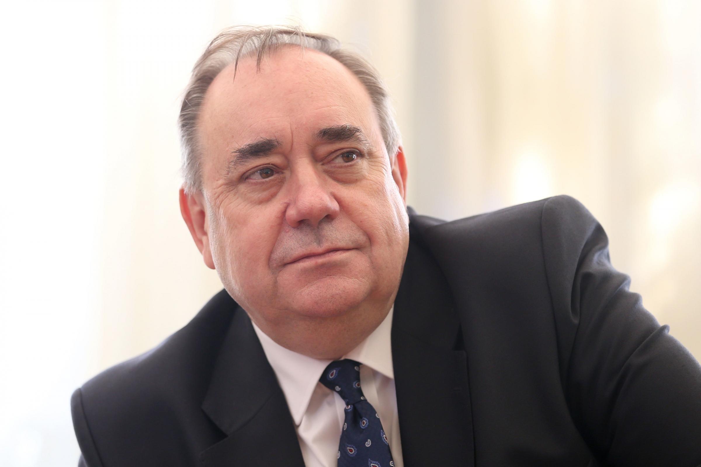 Alex Salmond calls on Cineworld to show Robert The Bruce film