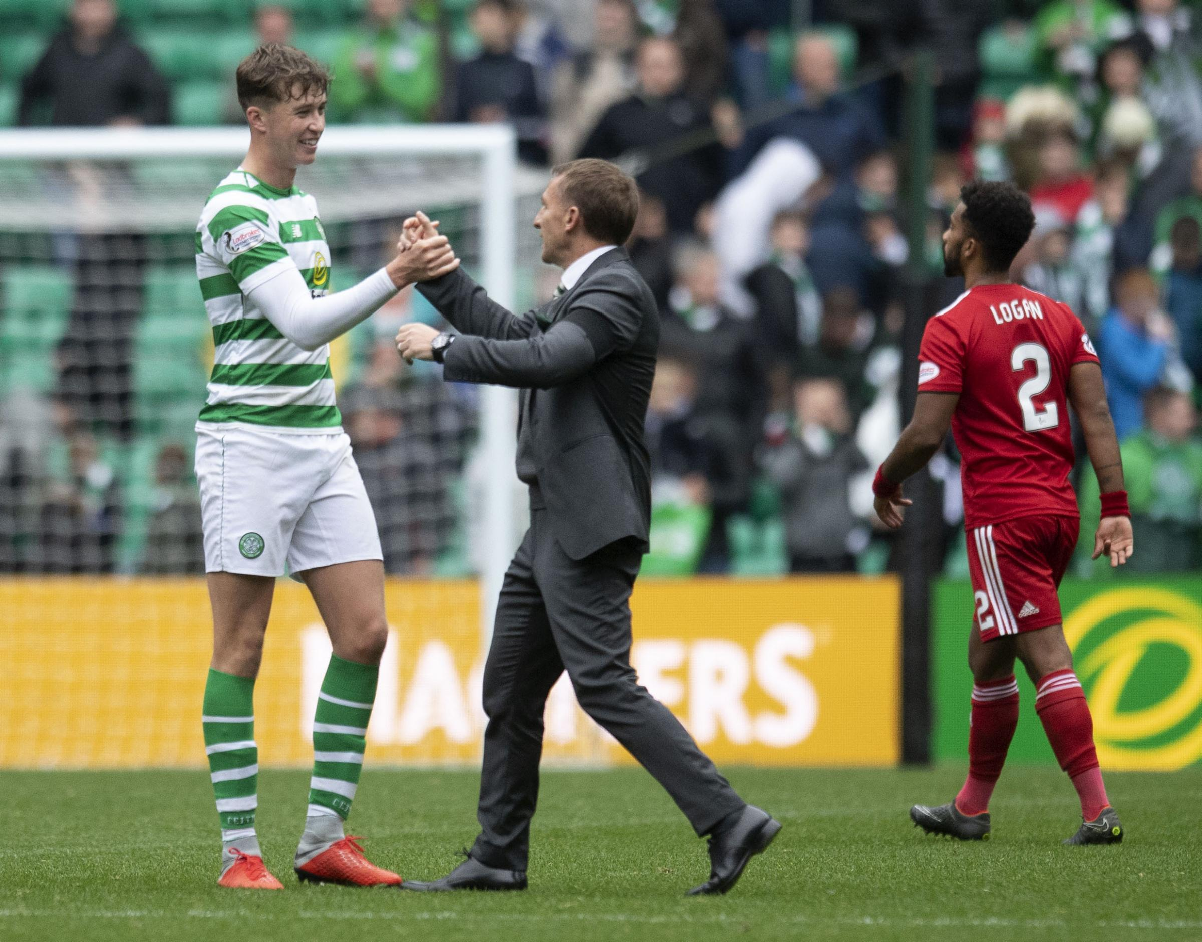 29/09/18 LADBROKES PREMIERSHIP . CELTIC v ABERDEEN (1-0). CELTIC PARK - GLASGOW . Celtic manager Brendan Rodgers (right) with Jack Hendry.