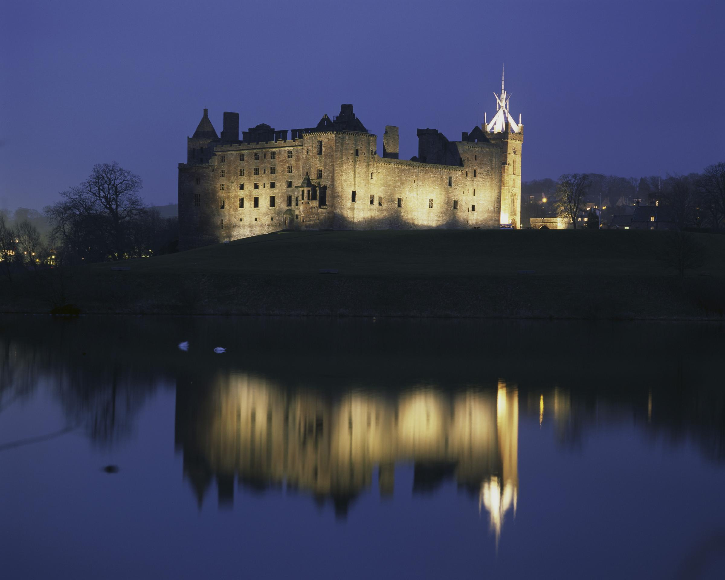 Linlithgow Palace is the birthplace of Mary Stuart