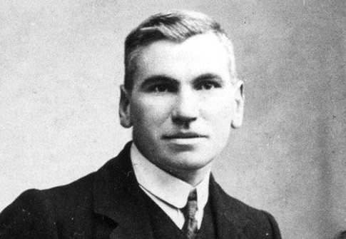 John MacLean set up adult education colleges all over Glasgow