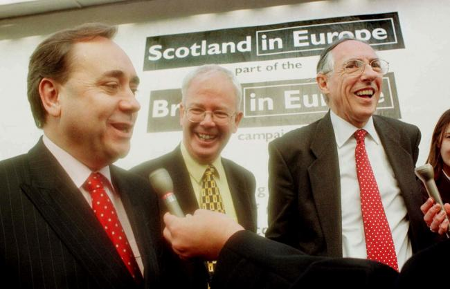 Campaigning together .. Alex Salmond, the Libdem's JimWallace and Donald Dewar