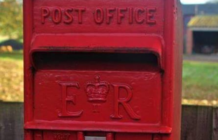 Just in case you don't know how to post a letter there's a diagram showing how to put the envelope in a neat wee box