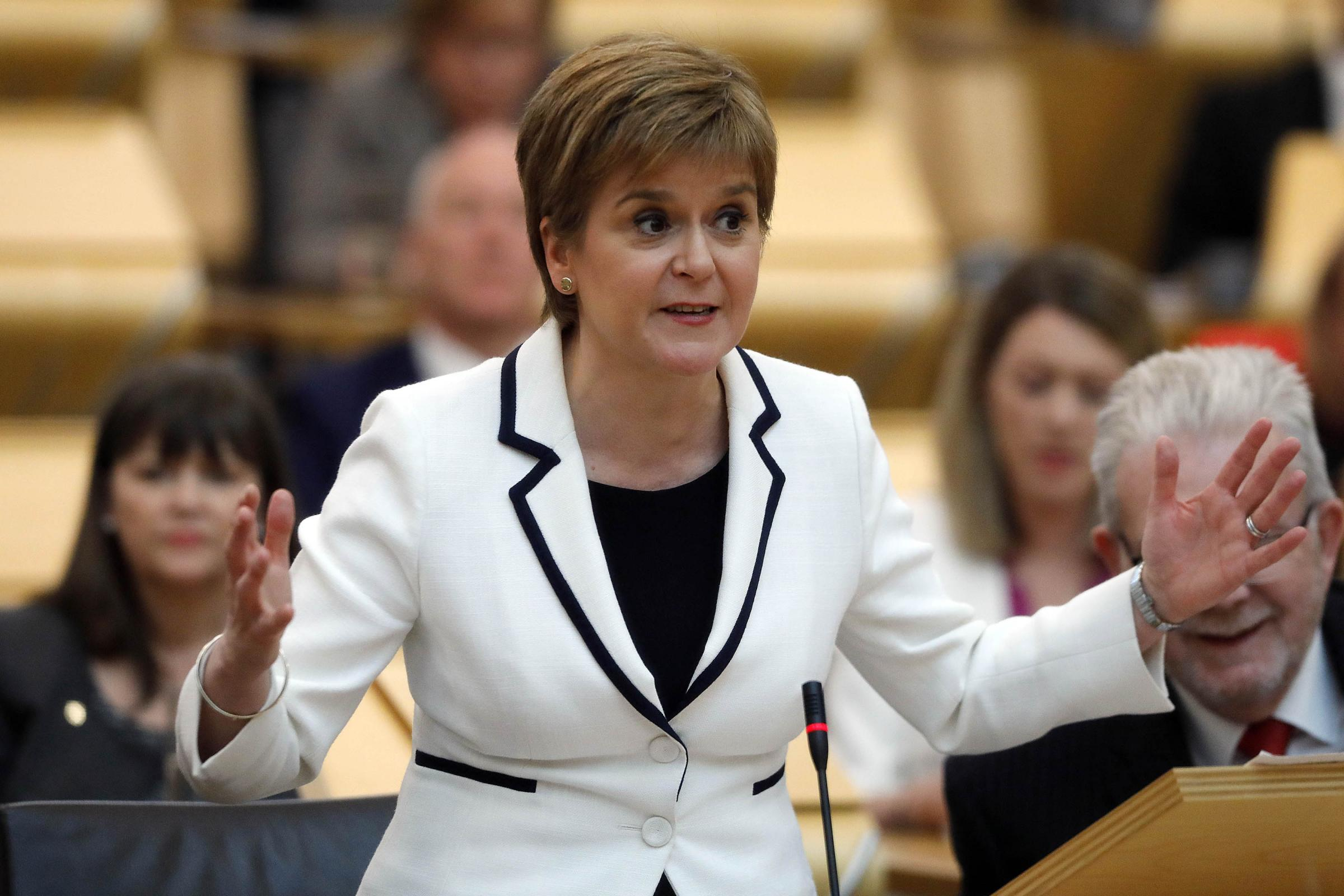 Nicola Sturgeon hits back at Ruth Davidson with the perfect tweet